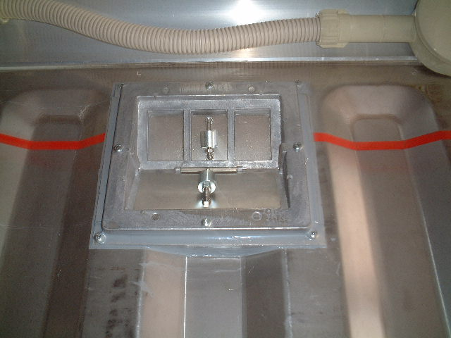コンテナ 圧力弁/温度計取付