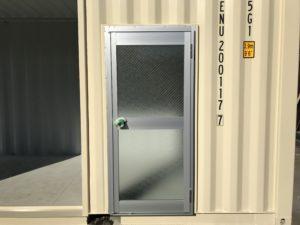 コンテナ 片開きドア取付